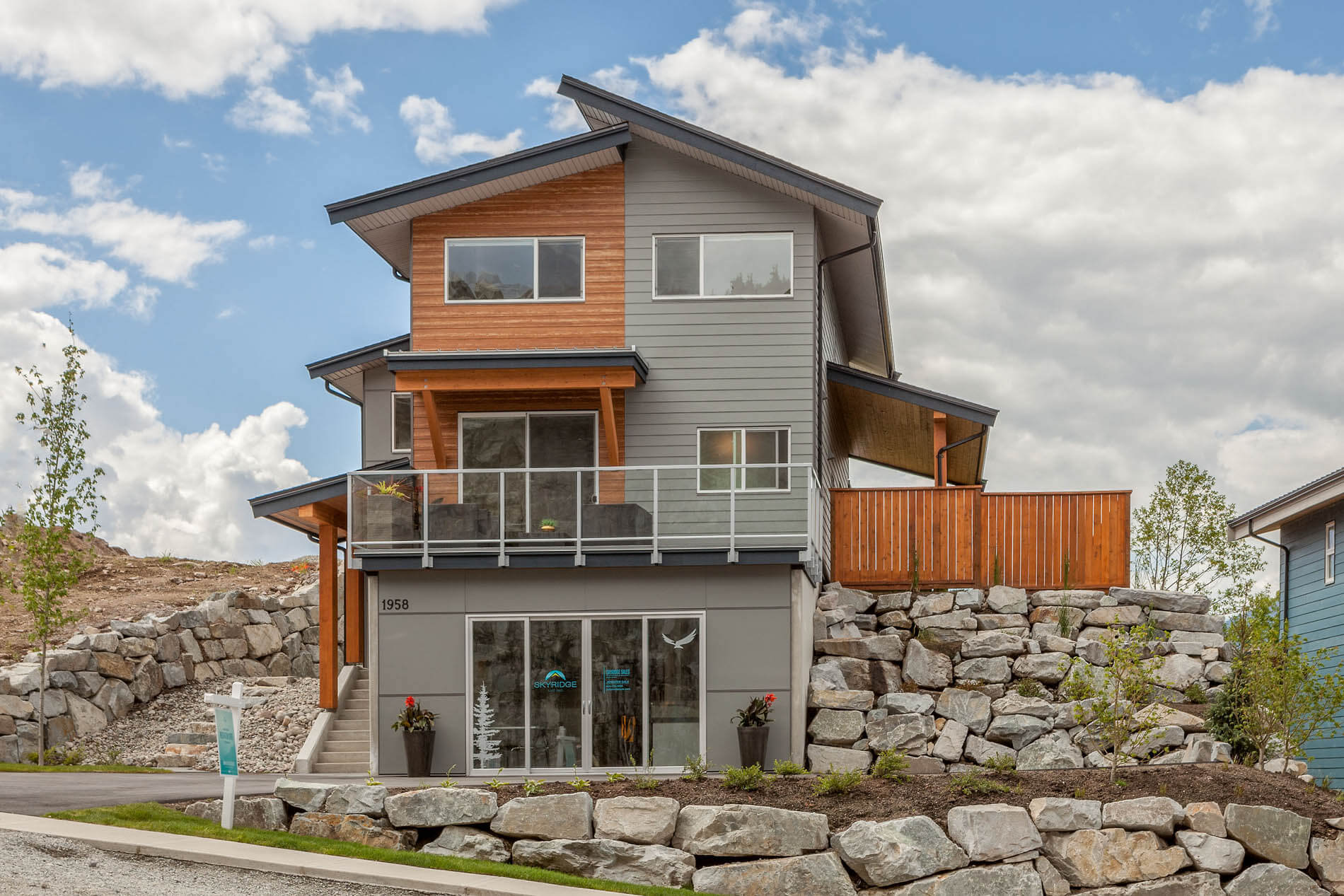 skyridge squamish show home, squamish show home builders
